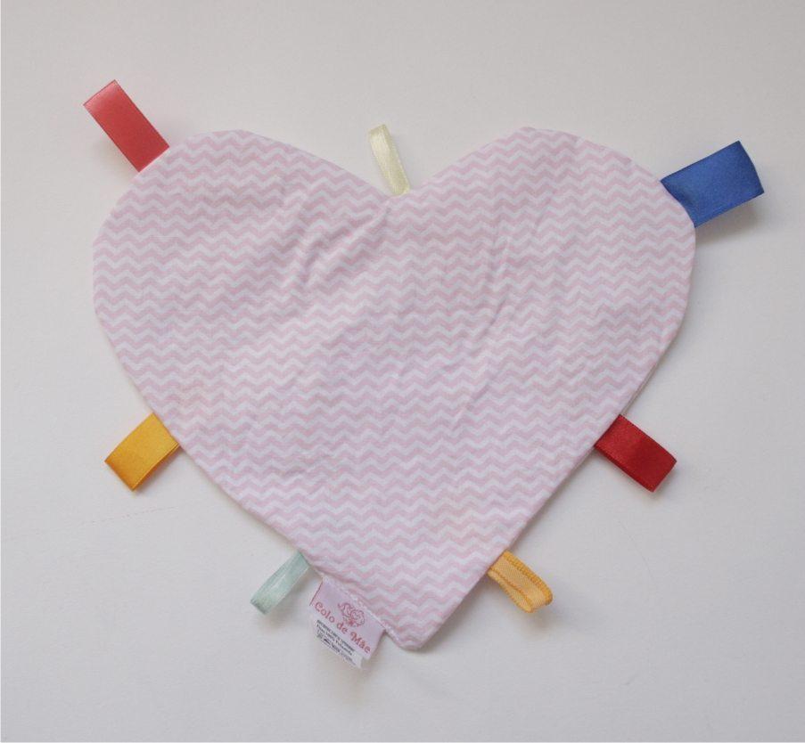 Manta Sensorial Coração Listras Rosa