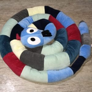 Cobra De Plush Multiuso Montessoriana Cabeça Azul