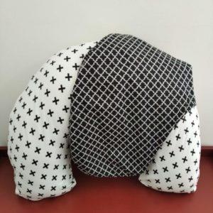 Almofada de Amamentação – Cruz P&B + capa extra Marrocos preto
