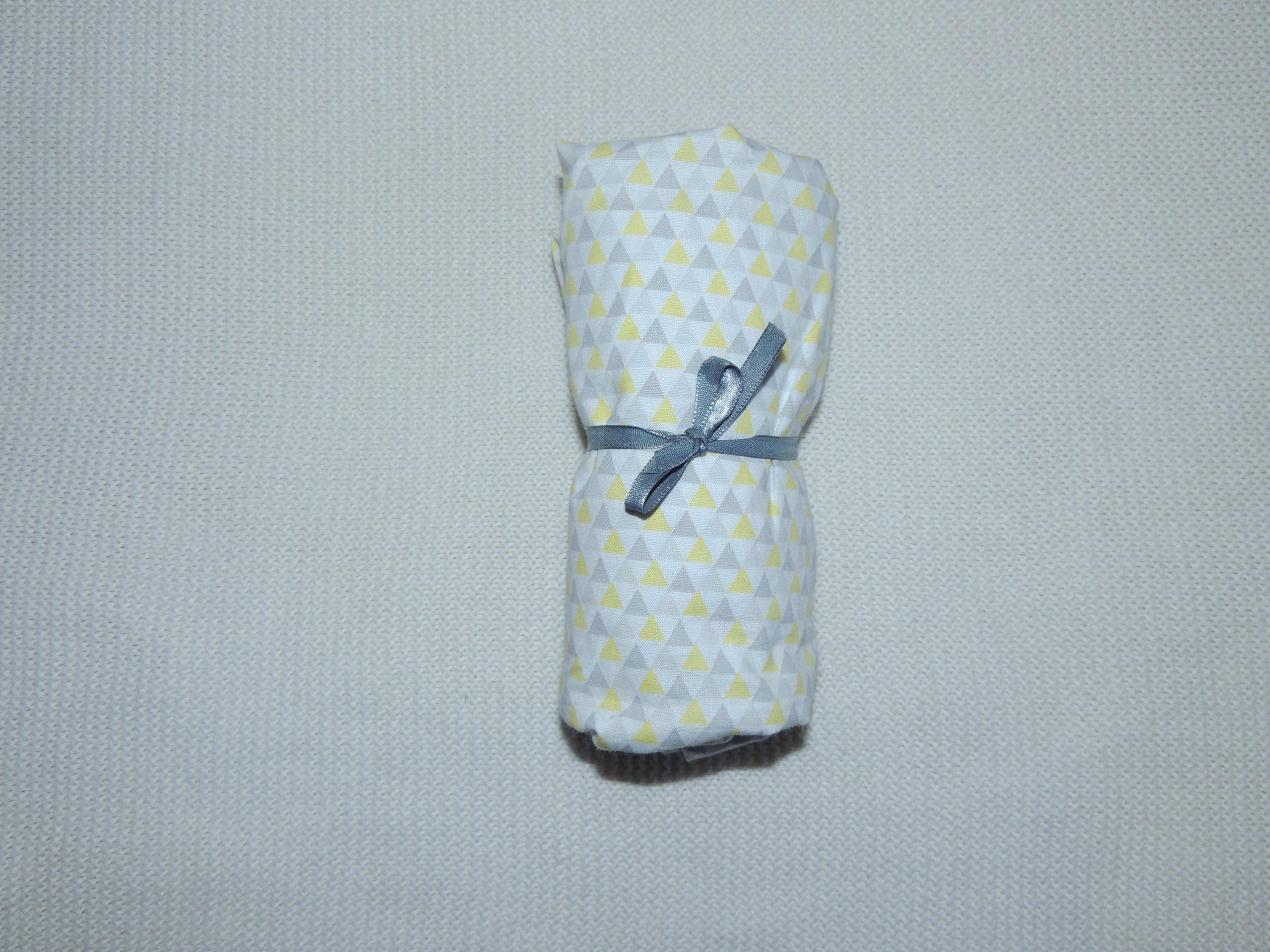 Lençol Para Mini Berço Agarradinho Para Colchões De 86x42x8 – Yole Amarelo E Cinza Colo De Mãe