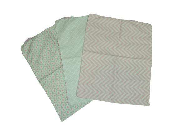 Trio De Fronhas Para Travesseiro De Bebê Corações, Marrocos Verde E Chevron Rosa 35cm X 28cm Da Colo De Mãe _ 3 Fronhas