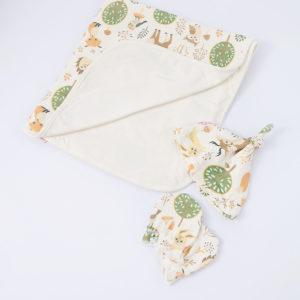 Cueiro para Bebê de Malha Dupla Face floresta + touca e luvas