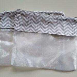 Saquinho Organizador de Roupas para maternidade – kit com 2 unidades Chevron Cinza