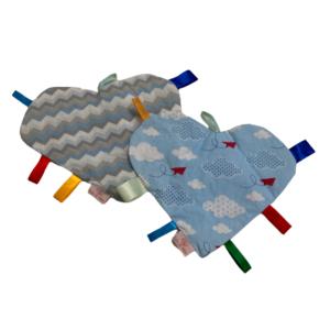 Kit Manta Sensorial Coração Chevron azul e nuvens com 2 unidades
